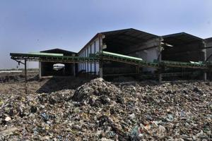 Thousands of tonnes of municipal solid waste from Faridabad and Gurgaon has been lying untreated at the Bandhwari plant, which is now just a dumping site.