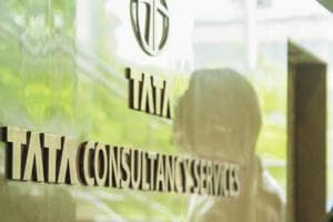 At Rs 6.11 trillion, TCS overtakes Reliance Industries to be most...