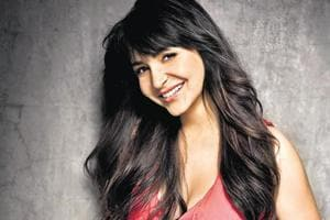 Sui Dhaaga: Anushka Sharma practices sewing skills for film with Varun...