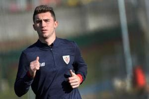 Manchester City sign French defender Aymeric Laporte