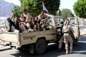 Suicide attack kills at least 11 at Yemen military checkpoint