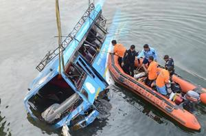 Murshidabad accident toll rises to 44, Bengal starts booking bus...