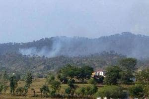 Woman killed, 3 soldiers injured in Pakistan firing along LoC in...