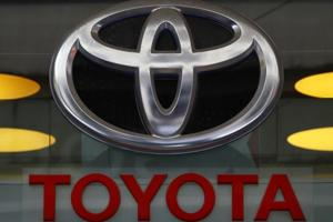 Toyota recalls 645,000 vehicles worldwide; air bags may not inflate