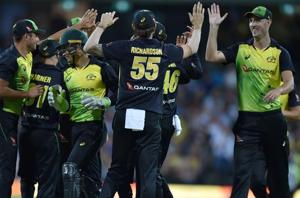 Andrew Tye, Billy Stanlake set up Australia's New Zealand rout in T20...