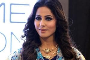 Hina Khan walks the ramp at Lakme Fashion Week, completes...