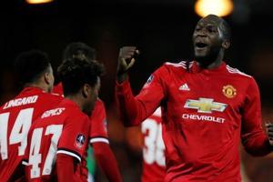 Romelu Lukaku happy to strike balance in Manchester United role