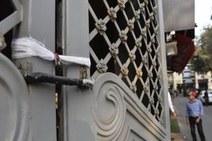 Delhi sealing: Day 2 of strike gets mixed response as Khan Market, CP,...
