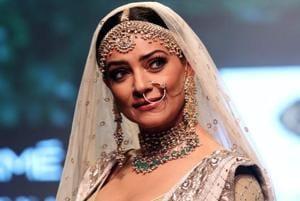 Sushmita Sen walks to Umrao Jaan song at Lakme Fashion Week, wants to...