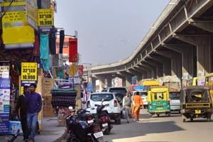The traffic in Zirakpur has increased in an unprecedented manner, leading to the choking of intersections.