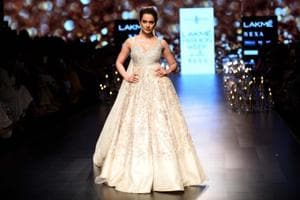 Kangana Ranaut's the queen of all she surveys, stuns all at Lakme...