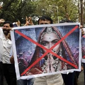 SC dismisses Agnivesh's plea seeking deletion of scenes from Padmaavat