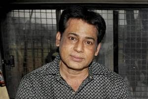A file photo of gangster Abu Salem being taken to jail after a Mumbai court sentenced him life imprisonment in the Pradeep Jain murder case in 2015.