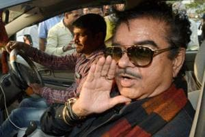 Shatrughan Sinha joins Yashwant Sinha's farmers' protest in MP,...