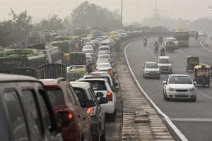 Delhi moves to scrap vehicles older than 15 years from next year