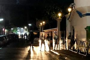 Security forces stand guard the Supreme Court in Male after Maldivian President Abdulla Yameen declared a state of emergency on February 5, 2018.