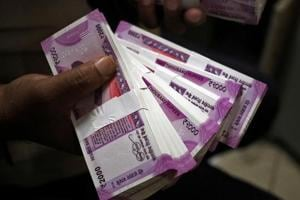 Rupee at 64.04, gains 20 paise against dollar in early trade