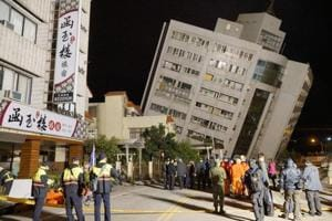 At least two killed, 150 missing after earthquake rocks Taiwan tourist...