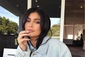 Kylie Jenner takes Instagram by Stormi! Her baby name announcement pic...