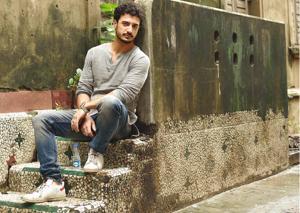 Actor and Instapoet Zain Khan Durrani picks his favourite romantic poems