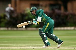 Mignon du Preez top-scored with 90 not out to help South Africa beat India on Saturday in their third and final match of the ICC Women's ODI Championship.