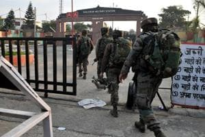 Govt sanctions Rs 1,487 crore to Army to boost perimeter...