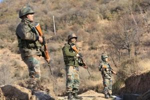 Pakistan army shells civilian areas along Line of Control in Rajouri