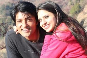 Valentine's Day: Anas Rashid surprises wife Heena Iqbal with a...