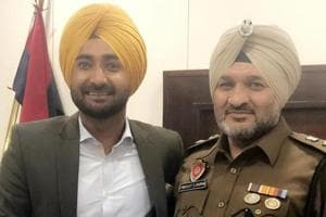 Mind the lyrics: Punjab cops ask singers not to 'glamourise liquor,...