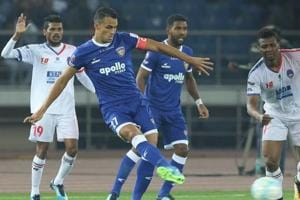 Bottom-placed Delhi Dynamos shared points with visiting Chennaiyin FC...