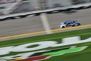 Alex Bowman puts No. 88 Nationwide Chevrolet on pole at Daytona 500