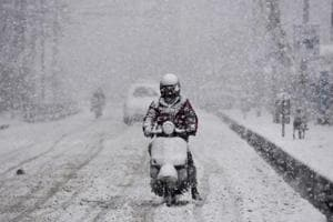 Heavy snowfall ends dry winter spell in Kashmir, Jammu-Srinagar...