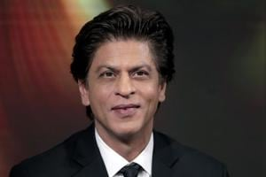 I'm running out of my breath, whare are my glasses: Watch Shah Rukh...