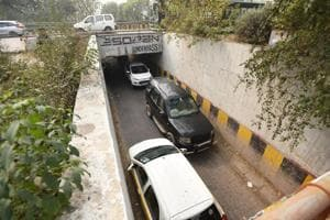Noida authority to widen all underpasses along expressway