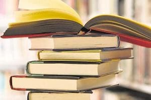 Expertcommittee to review books bought by Maharashtra government for...