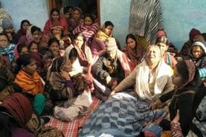 Cong, BJP tussle over relief to transporter's family
