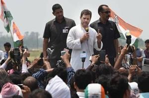 Rahul Gandhi addressing farmers during a padyatra to the site of the proposed food park in Amethi.