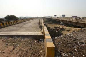 Noida authority yet to construct approach road for bridge over Hindon