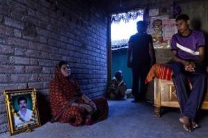 Worm kills crops, breaks families in Maharashtra