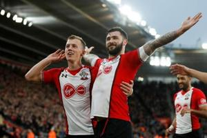 Charlie Austin confident Southampton can avoid relegation from Premier...
