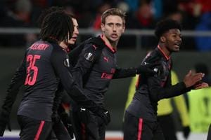Napoli lose at home, Arsenal and AC Milan win away in Europa League