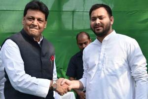 JD leader Tejaswi Yadav (right) and Cong leader Kadari during the press conference in Patna.