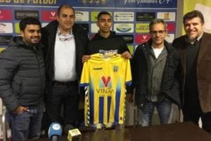 New Delhi football player signs for one of Spain's oldest clubs