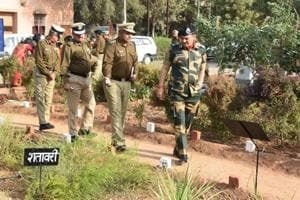 BSFchief in state,reviews security on Indo-Pak border
