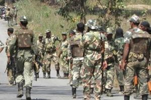 Two policemen killed, 6 injured in encounter with Naxals in...