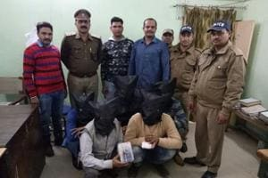 Five held for 'selling' fake idol as antique in Dehradun