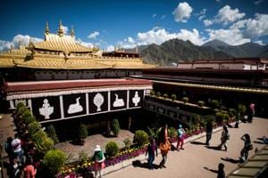 Fire at Tibetans' most sacred temple in Lhasa put out: Reports