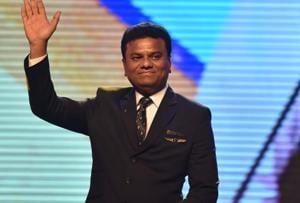 Maharashtra signs MoU with Mumbai aircraft maker to set up...