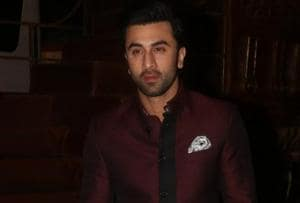 Brahmastra: Ranbir Kapoor roams on Mumbai streets, no one recognises...