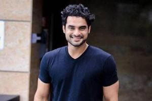 Tovino Thomas begins shooting for Dhanush starrer Maari 2